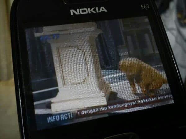 di ponsel lokal bisa untuk menonton tv, maka di E63 juga bisa. Gimana