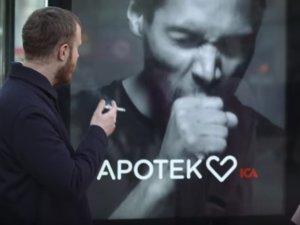 Papan Iklan Ini Bisa Batuk Jika Ada Yang Merokok