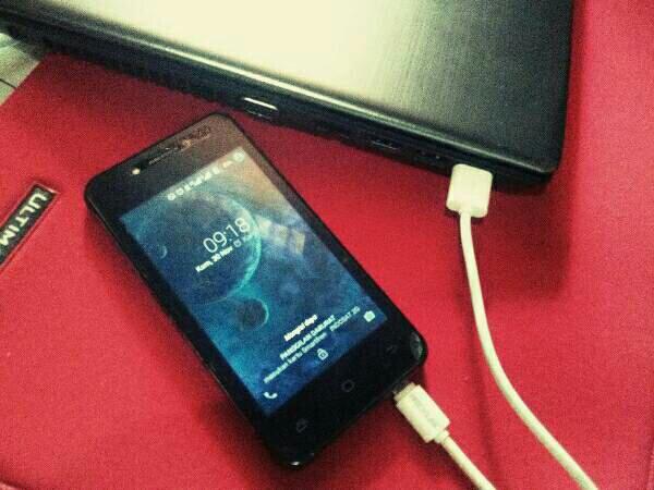 Charge Ponsel Dari Laptop Yang Tidak Menyala