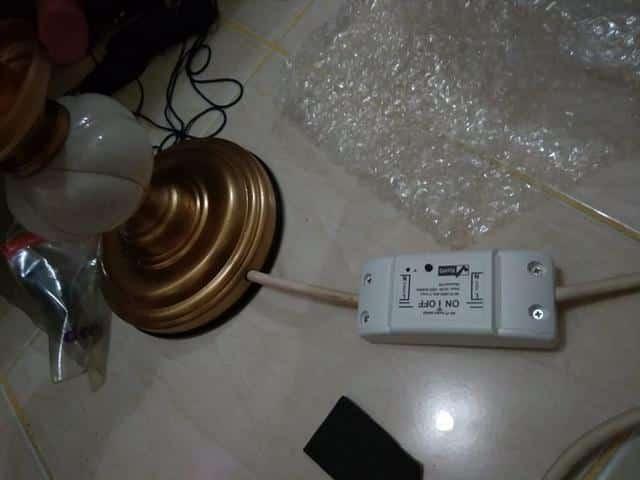 Memperbaiki Lampu Meja Jadul Menjadi Wifi